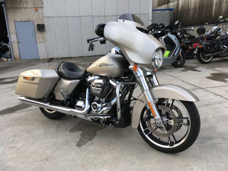 Harley Davidson FLHX1580 2017