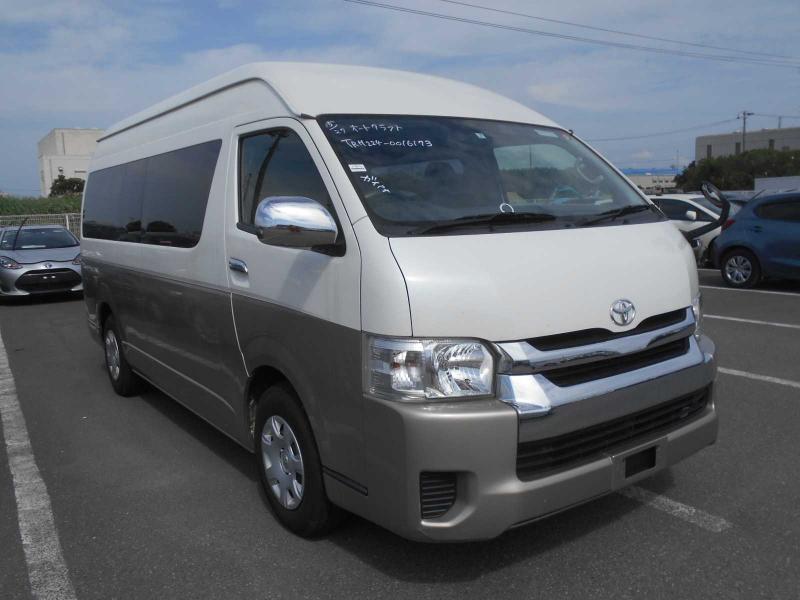 Toyota Hiace Wagon 2016